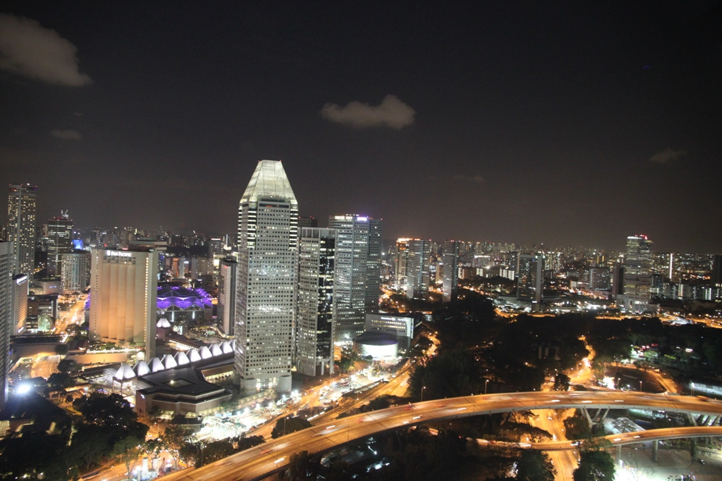 Singapore Vista Pan Pacific Sky Line Notturno
